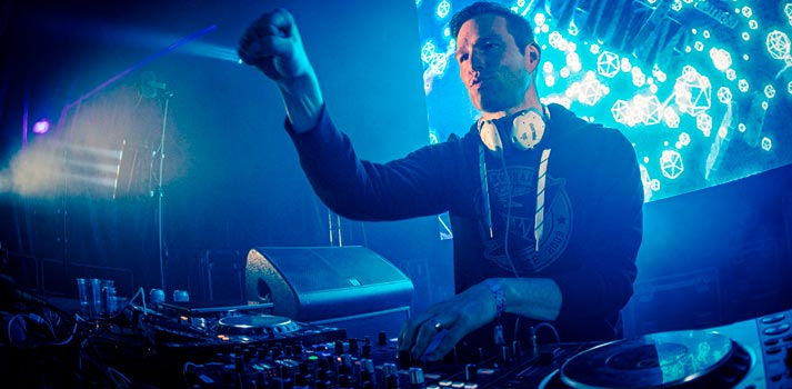 Live electronic music set of Darude