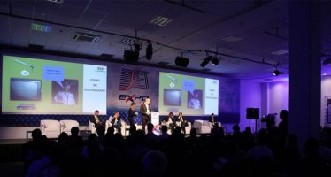 Government and industry discuss the challenges of switching off analog TV in Brasília