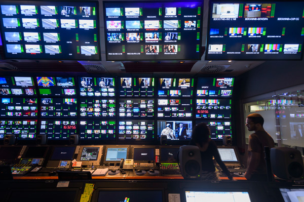 Technical room with screens at Globo TV