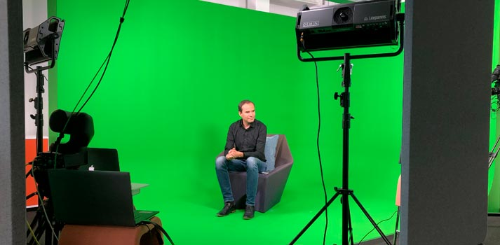 Matrox Monarch EDGE delivers 4:2:2 10-bit H.264 streams that translate to flawless green screen compositions
