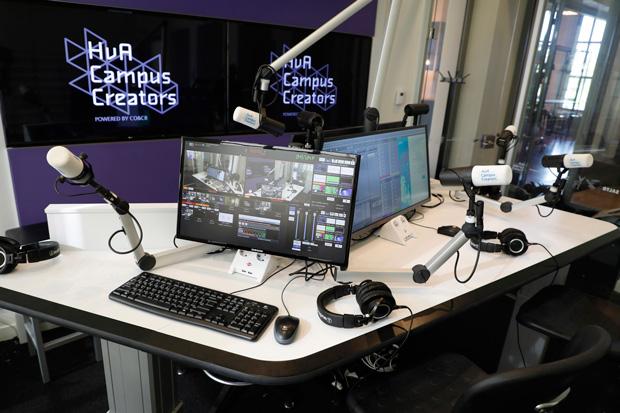 Broadcast Pix visual radio system by Radio Pix